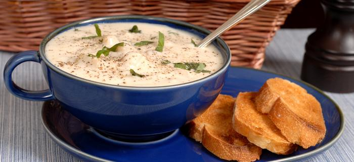 Nowoangielska zupa-krem z małży